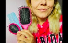 ASMR | BRUSHING YOUR HAIR ROLEPLAY | PERSONAL ATTENTION | RELAXING